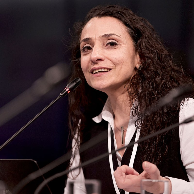 Portrait picture of Viola Raheb speaking at a NOW Conference